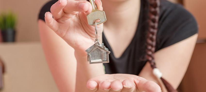 woman keys ta